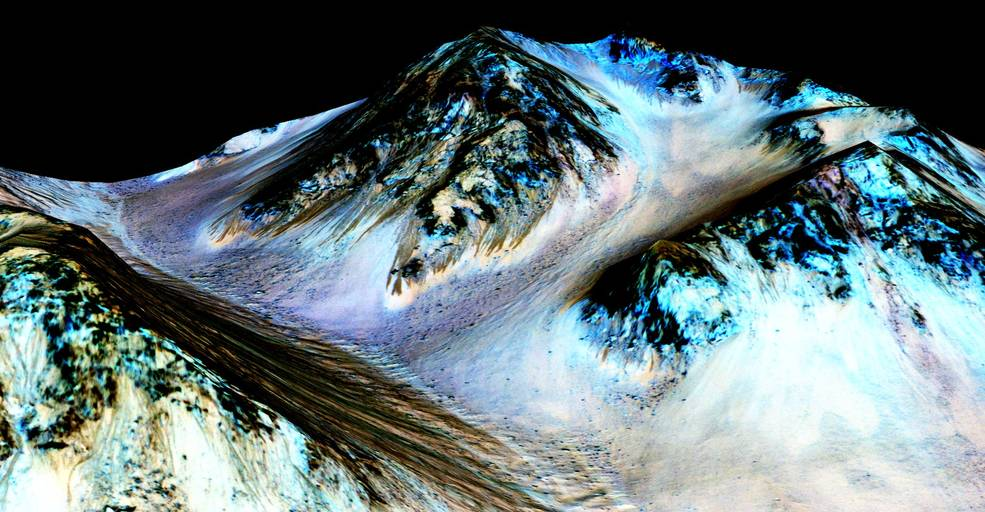 colourized image of liquid water on mars